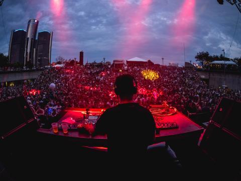 在哈特廣場的 Movement 電子音樂節中演出的 Maceo Plex 和 Ben Klock